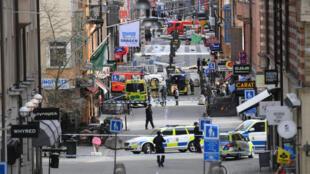 Vista da rua de pedestres onde um caminhão atropelou diversas pessoas no centro de Estocolmo em 7 de abril de 2017
