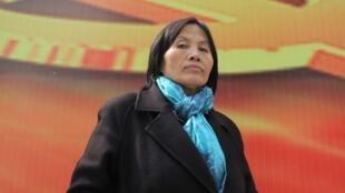 中国著名人权活动家曹顺利2013年3月23日在北京中央商务区接受采访。