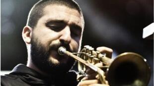 Las composiciones del trompetista franco-libanés Ibrahim Maalouf mezclan música árabe y otros estilos como el pop, el electro, el rock y sobretodo el jazz.