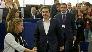 Alexis Tsipras, le 8 juillet 2015 lors de son arrivée au Parlement européen de Strasbourg.