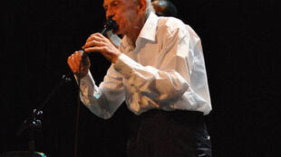 Le chanteur Graeme Allwright en concert.