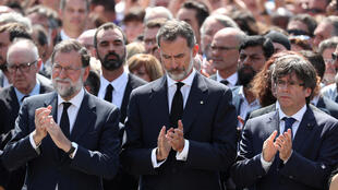 Rei Felipe VI, Primeiro Ministro Mariano Rajoy e Presidente da Generalitat da Catalunha Carles Puigdemont, um minuto de silêncio depois do atentado em Las Ramblas, Barcelona a 17/08/2017, que provocou 13 mortos e mais de 100 feridos.