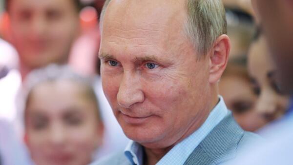 បុរសខ្លាំង Vladimir Poutine ប្រធានធិបតីរុស្ស៊ី