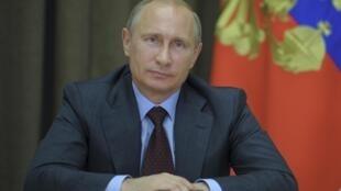 O presidente da Rússia, Vladimir Putin, chega à península da Crimeia em 13 de agosto de 2014.