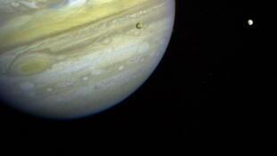 Júpiter, fotografada pela sonda Voyager 1 em 1979.