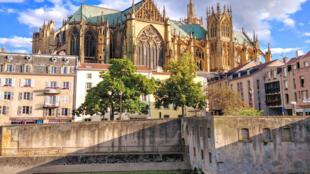 Nhà thờ Saint-Étienne, biểu tượng của Metz được xây từ năm 1240