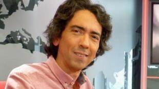 Miguel Tapia en los estudios de RFI