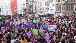 Women demonstrating against law that would ban abortion