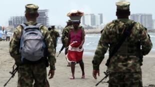 Lính Colombia được triển khai tại thành phố Carthagena (REUTERS)