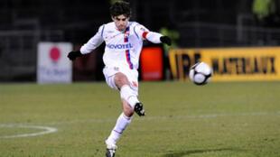 Juninho Pernambucano se aposentou em 2014 mas pode voltar ao Lyon como diretor esportivo