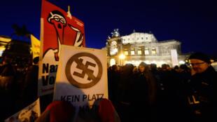 Manifestation contre les néonazis à Dresde, dans l'est de l'Allemagne en 2013.