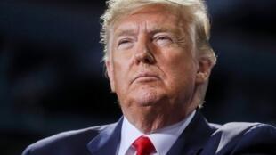 Presidente norte-americano é visado num processo de destituição.