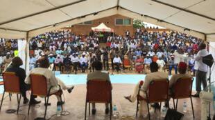 Le Débat africain en public à Niamey.