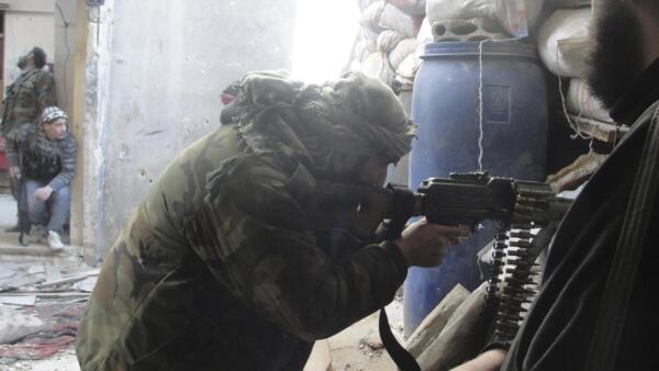 A França e o Reino Unido podem, em breve, fornecer armas para a oposição síria
