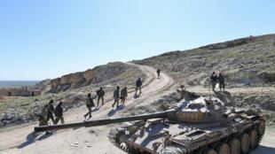 پیشرویهای نیروهای ارتش رژیم سوریه در منطقه ادلب با هدف به دست گرفتن مجدد کنترل تمامی بزرگراههای کلیدی شمال شرق این کشور امروز (یکشنبه ۹ فوریه) همچنان ادامه یافت.