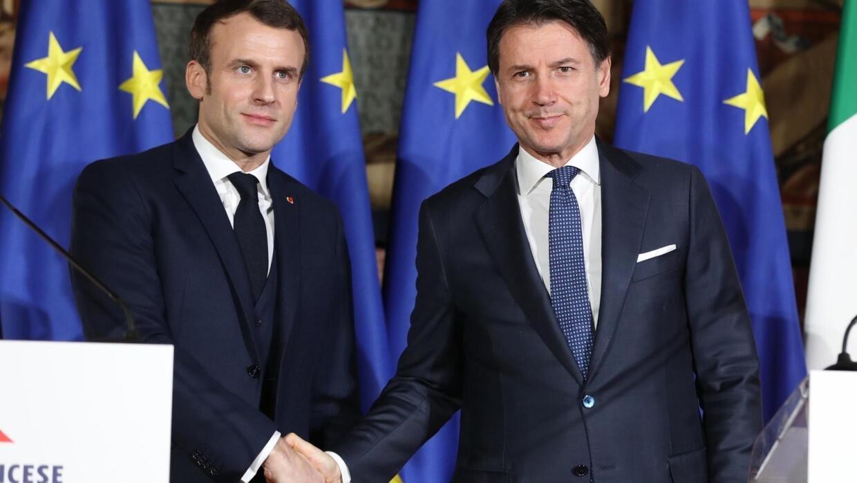À Naples, Macron et Conte affichent leur solidarité face au coronavirus