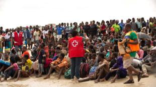 Sobreviventes do ciclone Idai em centro de evacuação na cidade de Beira, Moçambique.