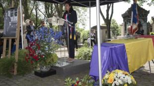 Ceremonia para el traslado de los restos de Francesc Boix al cementerio del Père-Lachaise, el pasado 16 de junio de 2017 en París.
