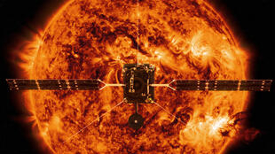 «Solar Orbiter» face au Soleil (image d'illustration).