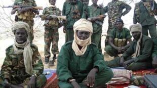 'Yan tawayen Union of Resistance tare da shugabansu, Timan Erdimi