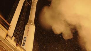 """Ракета """"Вега"""" перед пуском, 7 мая 2013"""