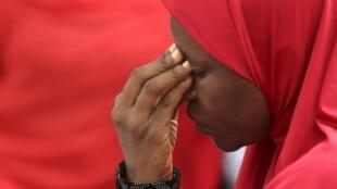 Mulheres fazem protestos na cidade nigeriana de Abuja, 12/05/14. População exige a libertação das meninas sequestradas