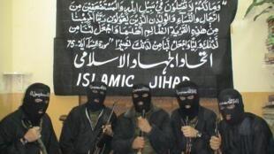 Radicais islâmicos com perfil similar ao do jihadista Mohamed Merah são perseguidos pela polícia francesa.