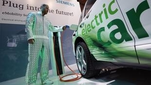 erman industrial conglomerate Siemens introduces its new electric car