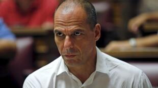 Le député de Syriza et ex-ministre des Finances Yanis Varoufakis, le 10 juillet, à Athènes, au Parlement.