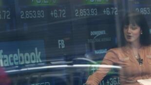 Depois de entrada estrondosa na última sexta-feira, 17 de maio, ações do Facebook só desabaram na Nasdaq