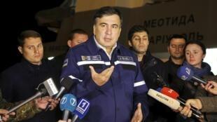 En Ukraine, c'est un personnage pas comme les autres qui fait son retour ces derniers jours sur le devant de la scène, Mikheil Saakachvili, l'ancien président géorgien (ici en octobre 2015).