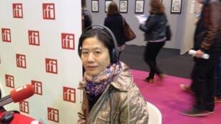 上海著名作家王安憶2014年3月21日在巴黎國際書展接受法廣中文節目採訪。