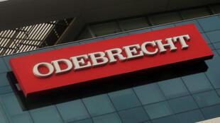 La fiscalía peruana informó este domingo que abrió una investigación oficial por lavado de activos contra tres expresidentes que habrían recibido aportes de Odebrecht para sus campañas electorales,.