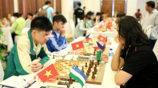 Nguyễn Anh Khôi, kỳ thủ trẻ đầy hứa hẹn của Cờ Vua Việt Nam, trong giải đấu quốc tế HDBank 2017 tại Việt Nam tháng 3/2017.