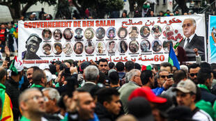 Keeping up the pressure. Anti-government demonstration in the capital Algiers on 5 April, 2019.