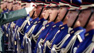 Lực lượng phòng vệ - tức quân đội của Nhật Bản.