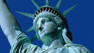 图为美国纽约自由女神像
