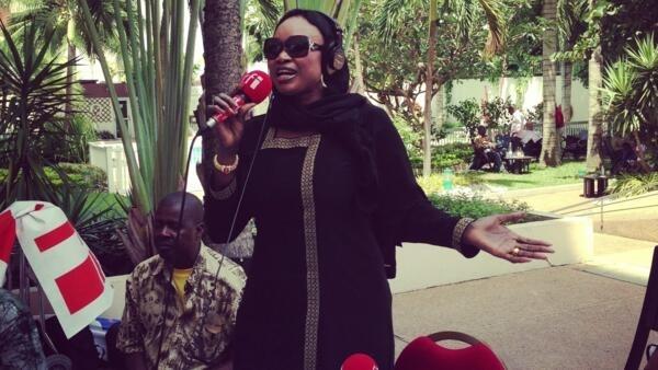 zabaya Oumou Sangaré  ke cashewa a cikin wani shiri na rfi 2013
