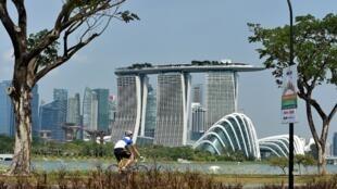 សង្កាត់ Marina Bay Sands ដ៏ទំនើបរបស់សិង្ហបុរី ដែលជាគោលដៅនៃការវាយប្រហារភេរវកម្ម រៀបចំដោយជនសង្ស័យទាំង ៦នាក់ ចាប់ខ្លួនដោយប៉ូលិសឥណ្ឌូណេស៊ី នៅថ្ងៃសុក្រ ៥ សីហា ២០១៦