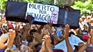 Manifestación en 2002 para llamar la atención sobre el uso del Nemagón, en Managua.