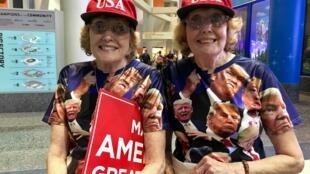 Des soeurs jumelles supportrices de Donald Trump.