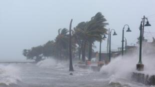 bão Irma ập vào Porto Tico ngày 06/09/2017.