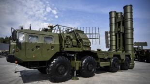 Système antiaérien russe S-400 en démonstration à Moscou en mai 2017.