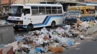 Dakar face aux problèmes d'insalubrité et de pollution.