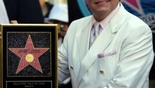 José José có tên trên Đại lộ Danh vọng Hollywood năm 2004