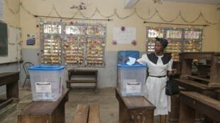 Le Conseil constitutionnel camerounais a annoncé l'annulation du scrutin dans 11 circonscriptions camerounaises, dans les provinces du nord-ouest et du sud-ouest.