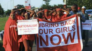 Манифестация с требованиями освободить нигерийских школьниц. Шибок, Нигерия.