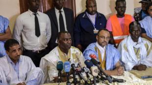 L'opposant mauritanien Kane Hamidou Baba (à droite) dénonce l'acharnement du pouvoir contre ses partisans.