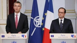 French President François Hollande and Nato Secretary-General Jens Stoltenberg give a news conference at the Elysee Palace in Paris, 2 March 2015.