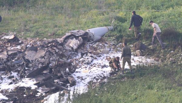 O local da queda do F-16 em Israel, neste sábado 10 de fevereiro de 2018.